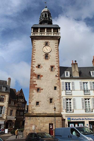 Photo du Monument Historique Tour de l'Horloge dite Jacquemart situé à Moulins