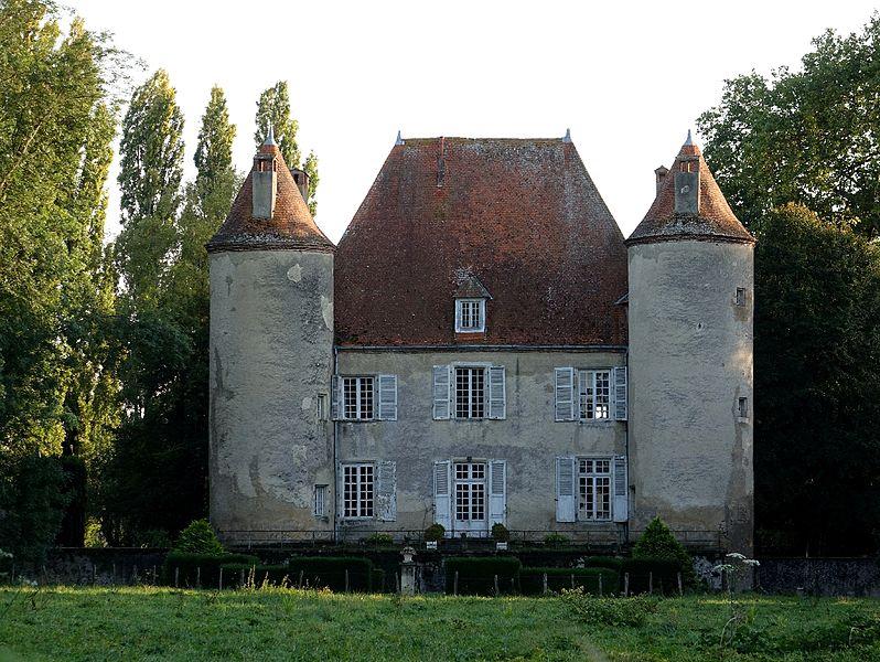 Photo du Monument Historique Château du Méage situé à Rongères