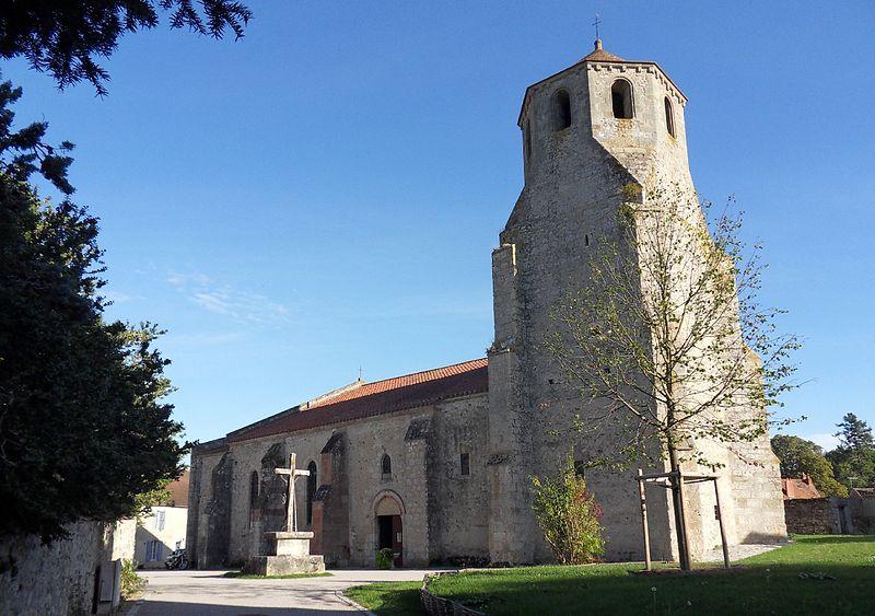 Photo du Monument Historique Eglise paroissiale Saint-Pierre situé à Verneuil-en-Bourbonnais