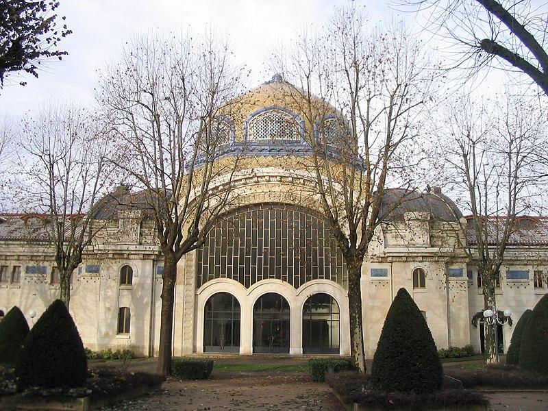 Photo du Monument Historique Etablissement thermal situé à Vichy