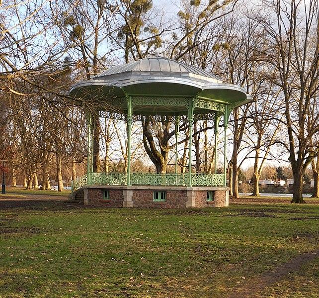 Photo du Monument Historique Kiosque du parc des Bourins situé à Vichy