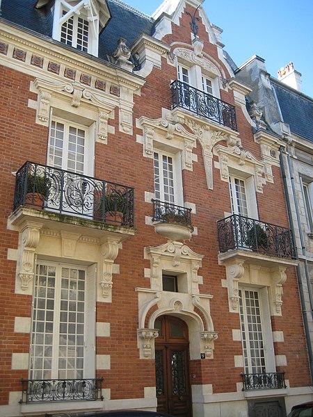 Photo du Monument Historique Villa Van Dyck situé à Vichy