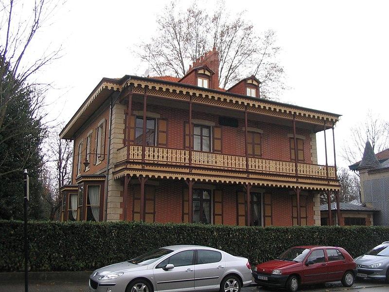 Photo du Monument Historique Maison dite Chalet Marie-Louise situé à Vichy