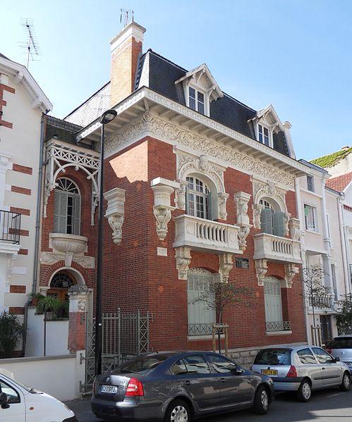 Photo du Monument Historique Villa Yvonnette situé à Vichy