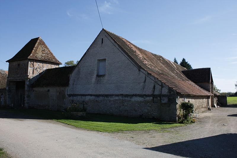 Photo du Monument Historique Domaine des Girodeaux situé à Chemilly