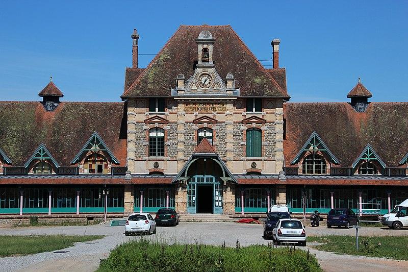 Photo du Monument Historique Hôpital de la Charité situé à Lavault-Sainte-Anne