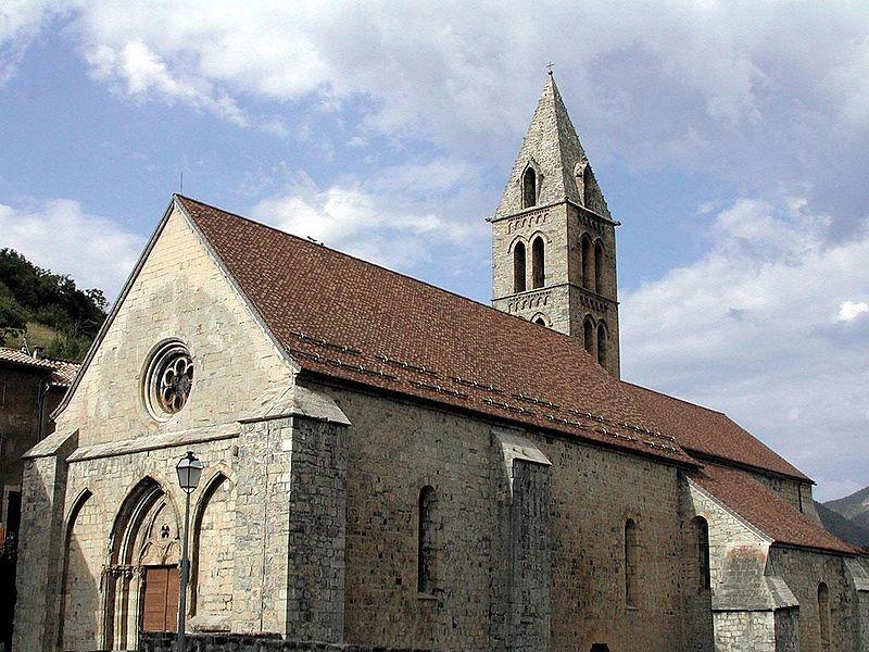 Photo du Monument Historique Eglise situé à Bayons