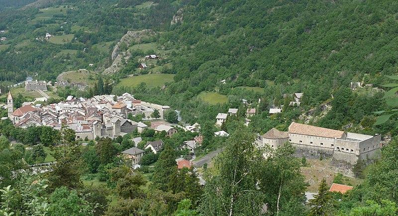 Photo du Monument Historique Enceinte fortifiée de la ville situé à Colmars