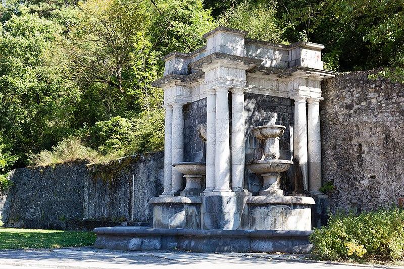 Photo du Monument Historique Fontaine monumentale situé à Digne-les-Bains