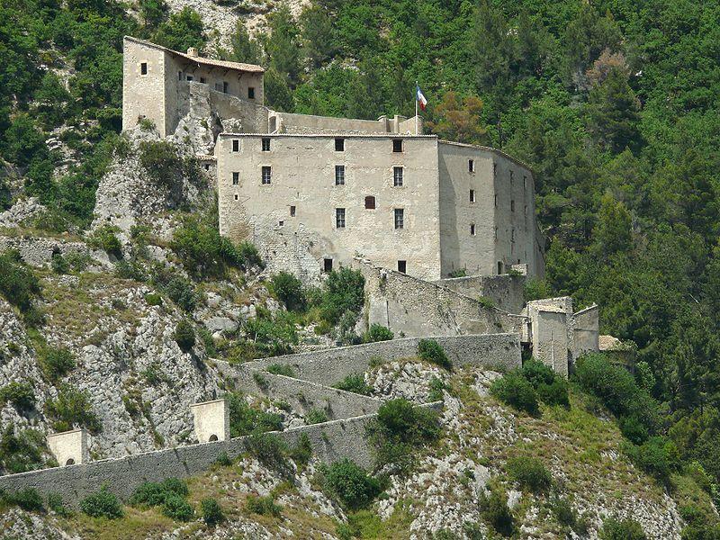 Photo du Monument Historique Château situé à Entrevaux