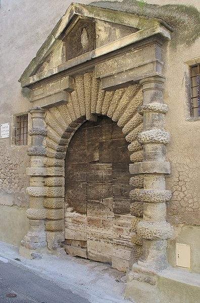 Photo du Monument Historique Hôtel de Crose et portail Saint-Félix situé à Les Mées