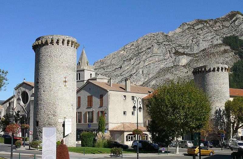 Photo du Monument Historique Enceinte (restes de l'ancienne) situé à Sisteron