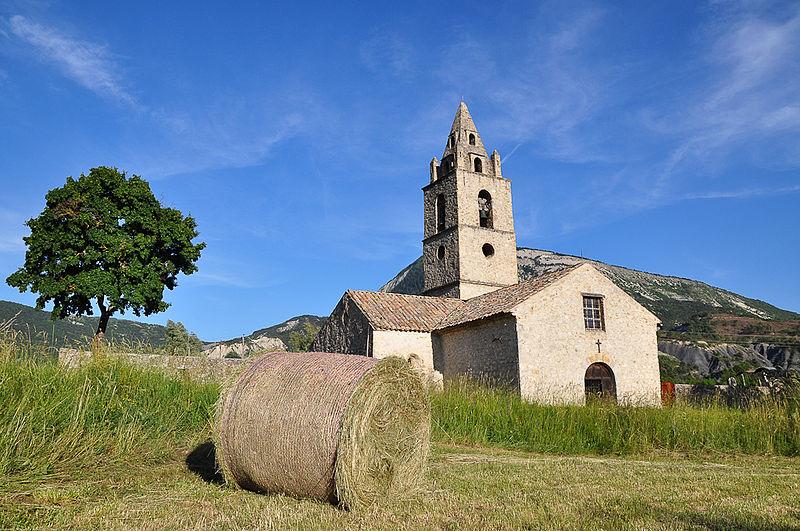 Photo du Monument Historique Eglise Notre-Dame d'Entraigues situé à Tartonne
