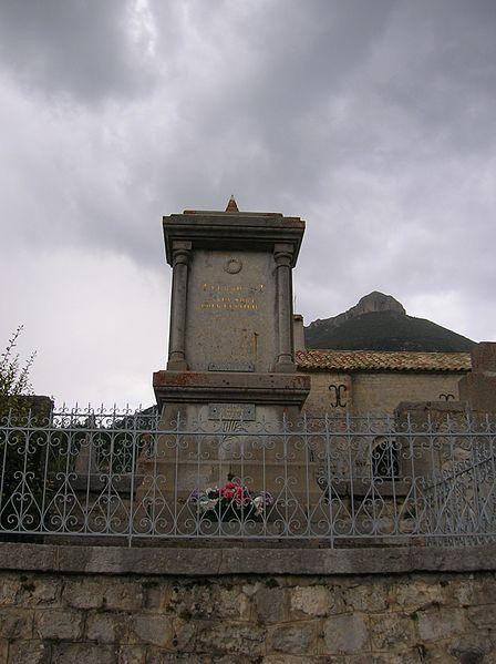 Photo du Monument Historique Cimetière situé à Vergons