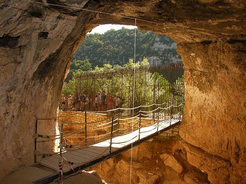 Photo du Monument Historique Grotte de la Baume Bonne situé à Quinson