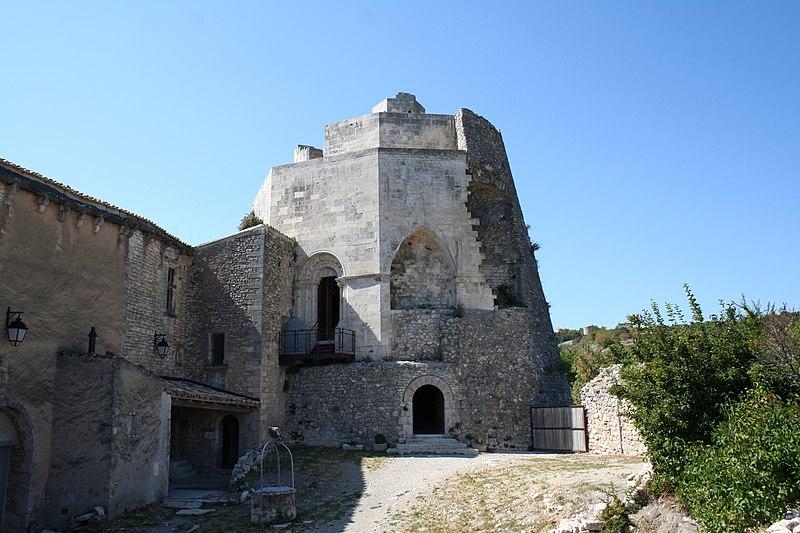 Photo du Monument Historique Château de Simiane situé à Simiane-la-Rotonde