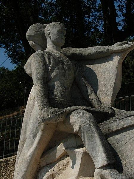 Photo du Monument Historique Monument aux morts de la guerre de 1914-1918 situé à Château-Arnoux-Saint-Auban