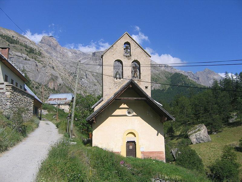 Photo du Monument Historique Eglise Saint-Jean-Baptiste et son enclos situé à Saint-Paul-sur-Ubaye