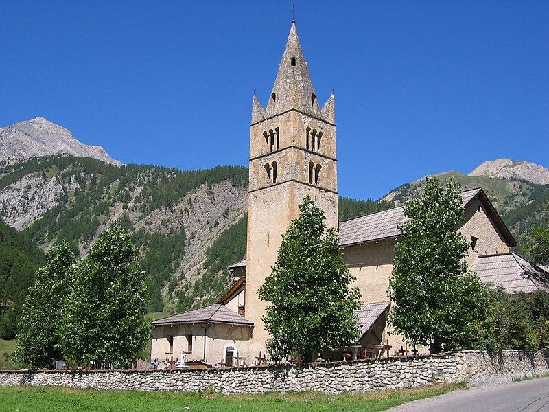 Photo du Monument Historique Eglise Saint-Laurent situé à Arvieux