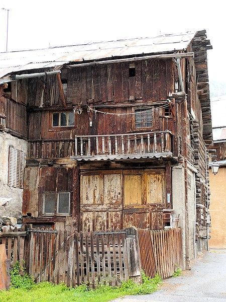 Photo du Monument Historique Maison-ferme dite maison Chabrand situé à Ceillac