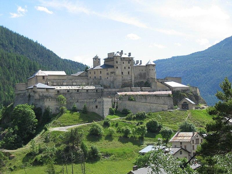 Photo du Monument Historique Fort de Château-Queyras situé à Château-Ville-Vieille