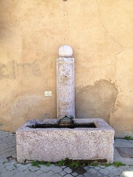 Photo du Monument Historique Fontaine situé à Embrun