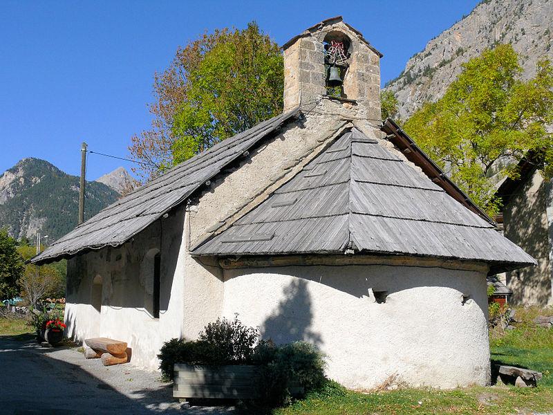 Photo du Monument Historique Chapelle Notre-Dame-des-Grâces situé à Névache