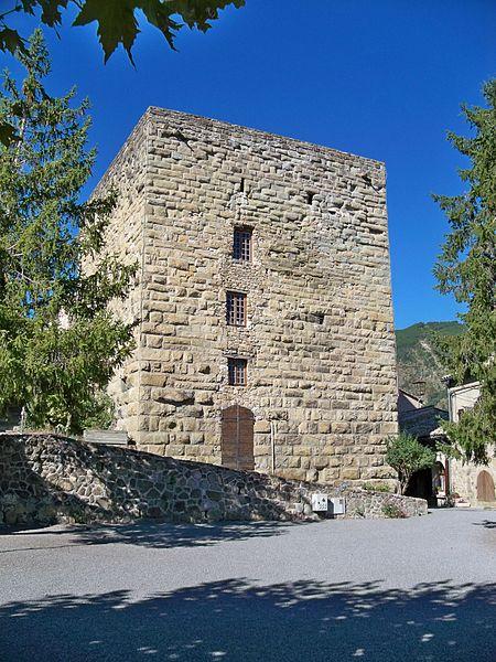 Photo du Monument Historique Donjon situé à Rosans