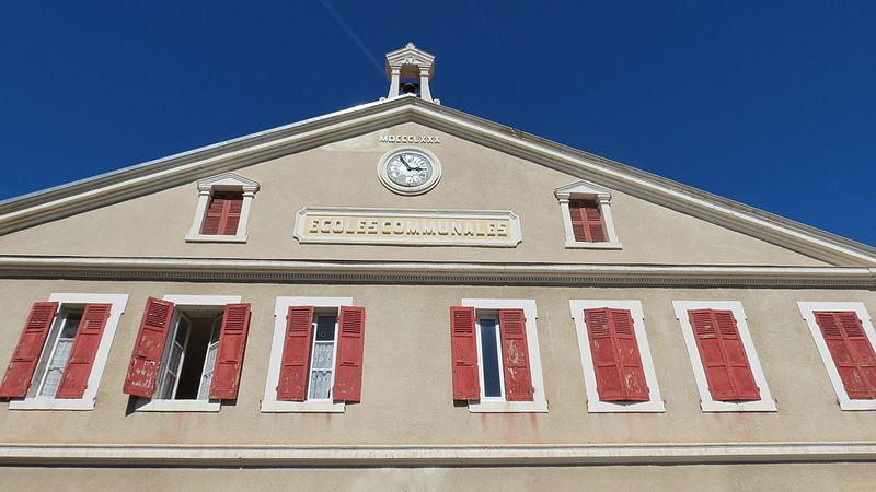 Photo du Monument Historique Ecole primaire situé à Serres