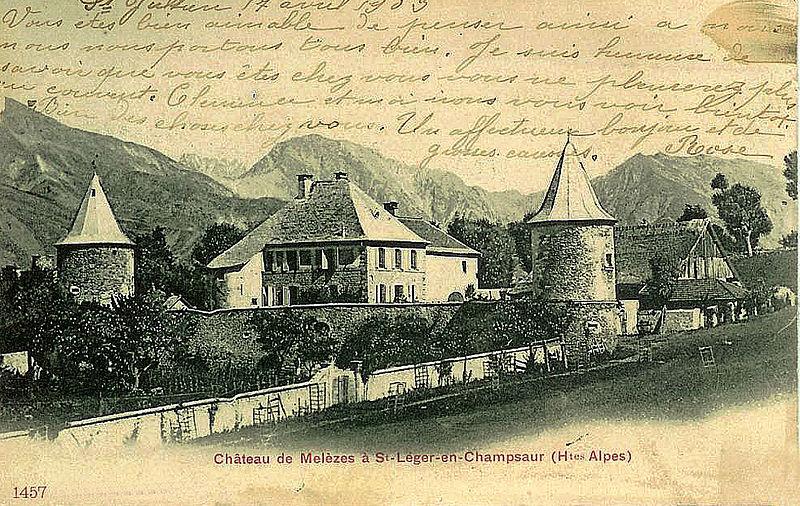 Photo du Monument Historique Château de Saint-Léger situé à Saint-Léger-les-Mélèzes