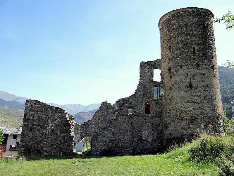 Photo du Monument Historique Chateau des Seigneurs (restes) situé à La Brigue