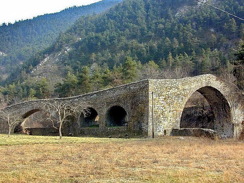 Photo du Monument Historique Pont du Coq sur la Lévanza situé à La Brigue