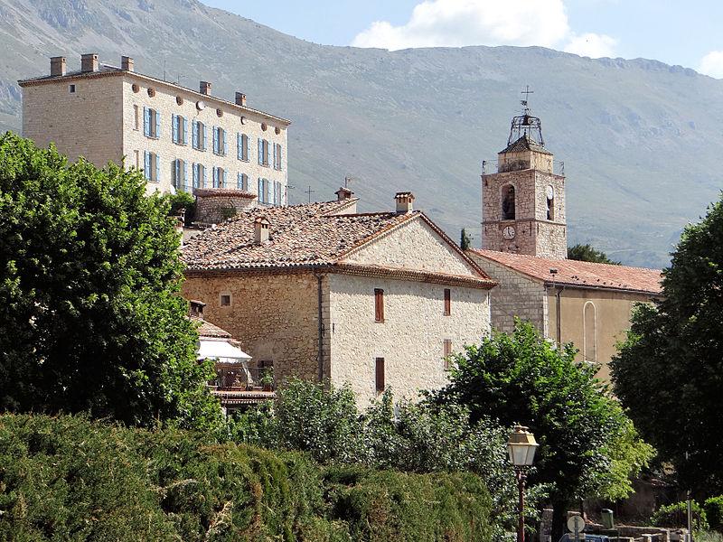Photo du Monument Historique Eglise paroissiale Saint-Mayeul situé à Cipières