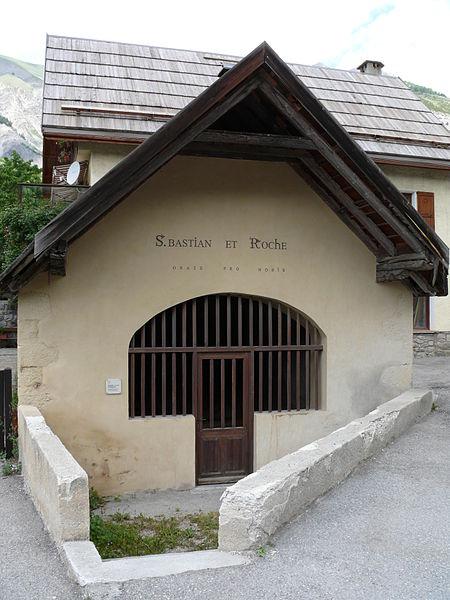 Photo du Monument Historique Chapelle Saint-Sébastien situé à Entraunes