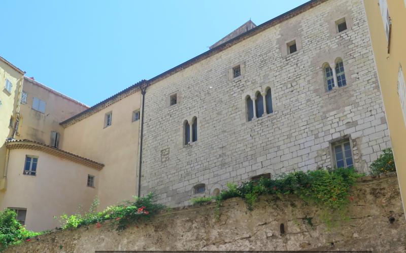 Photo du Monument Historique Palais épiscopal situé à Grasse