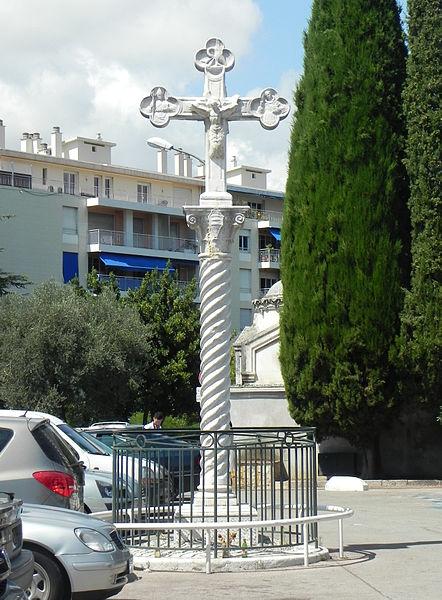 Photo du Monument Historique Croix en marbre situé à Nice