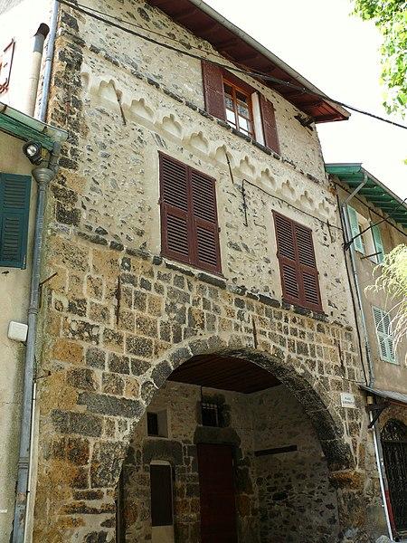 Photo du Monument Historique Château Gubernatis ou palais Gubernatis situé à Saint-Martin-Vésubie