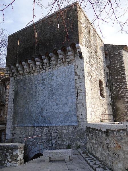 Photo du Monument Historique Porte de la ville situé à Saint-Paul