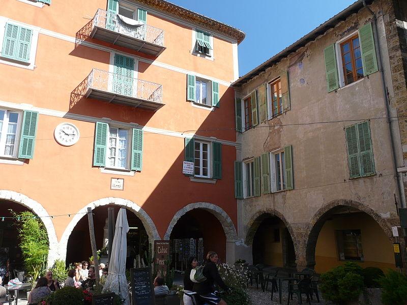 Photo du Monument Historique Maisons à arcades situé à Sospel
