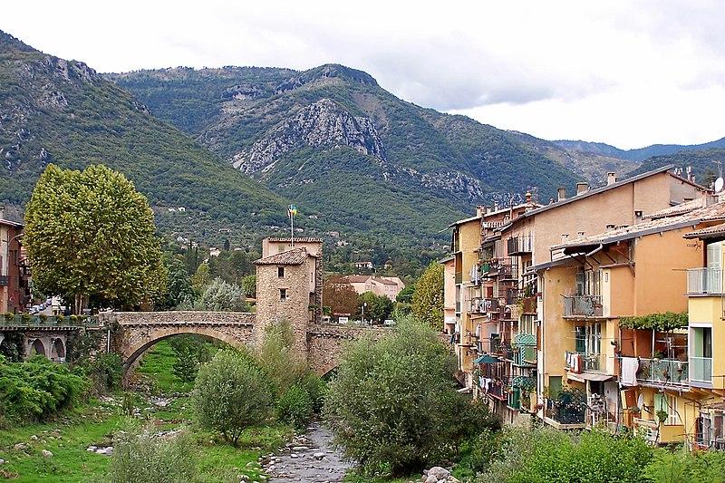 Photo du Monument Historique Vieux pont et tour qui le surmonte situé à Sospel