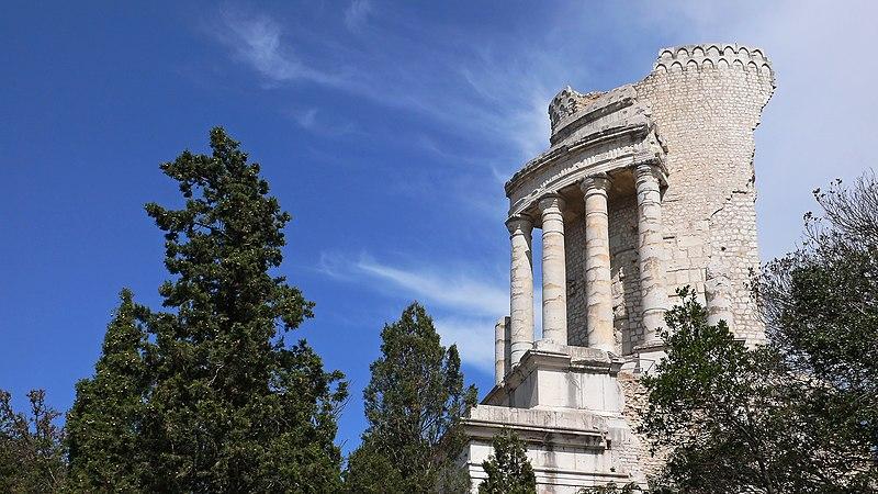 Photo du Monument Historique Ruines du Trophée d'Auguste, actuellement Musée du Trophée d'Auguste situé à La Turbie