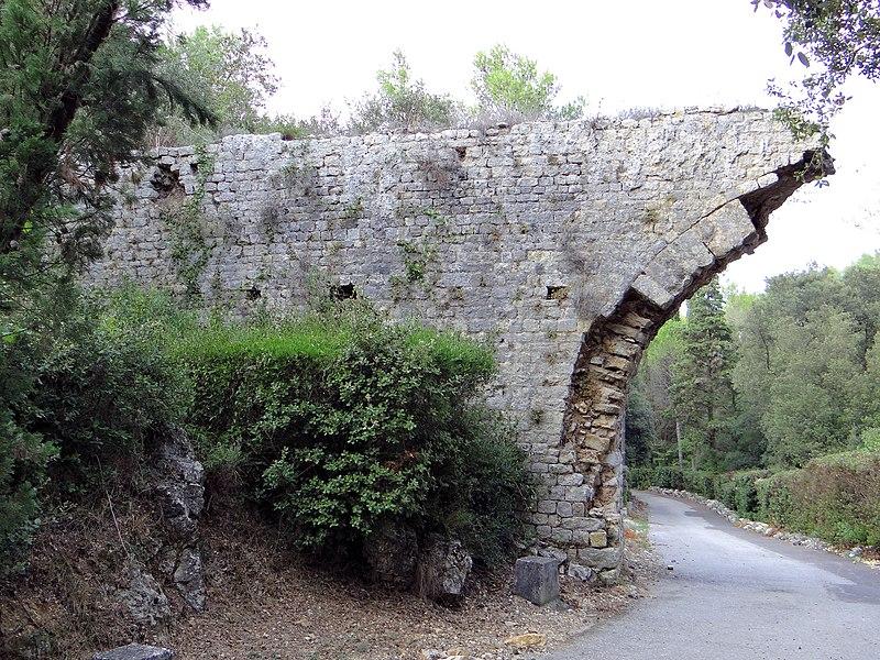 Photo du Monument Historique Aqueduc de Clausonnes (restes) (également sur commune d'Antibes) situé à Valbonne