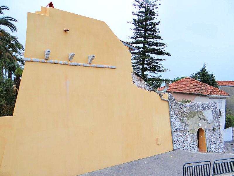 Photo du Monument Historique Remparts (vestige dit Le Bastionnet) situé à Villefranche-sur-Mer