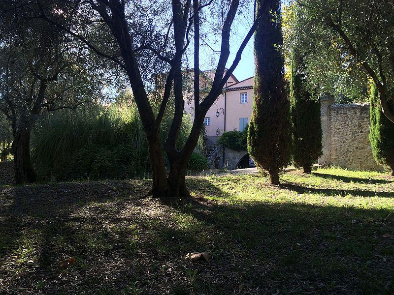 Photo du Monument Historique Villa Saint-Jean situé à Grasse