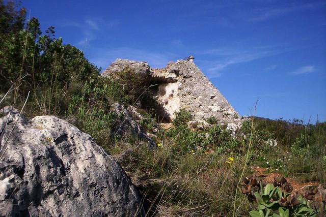 Photo du Monument Historique Pyramide situé à Falicon