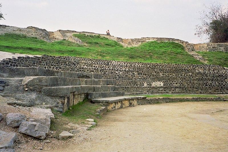 Photo du Monument Historique Théâtre gallo-romain situé à Alba-la-Romaine