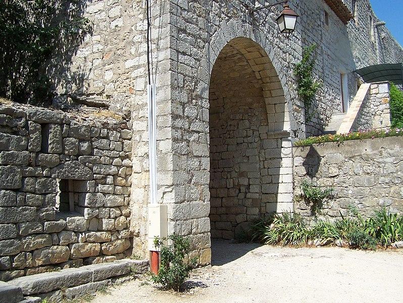Photo du Monument Historique Commanderie de Jalès situé à Berrias-et-Casteljau