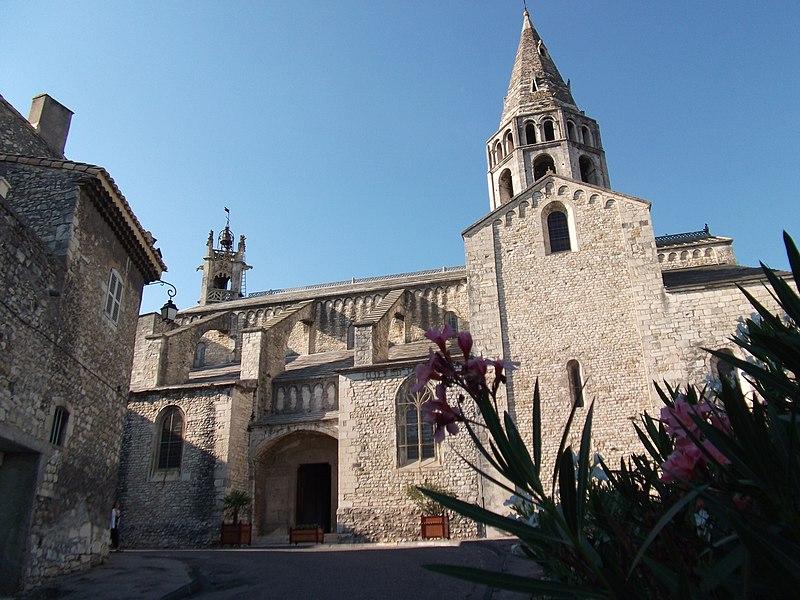 Photo du Monument Historique Eglise Saint-Andéol situé à Bourg-Saint-Andéol
