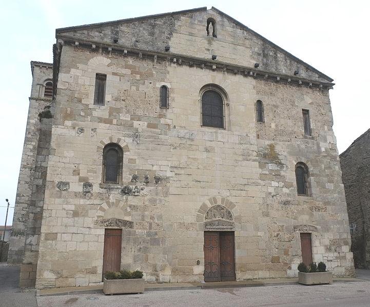 Photo du Monument Historique Eglise Saint-Pierre situé à Champagne