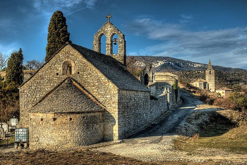 Photo du Monument Historique Chapelle du cimetière situé à Gras